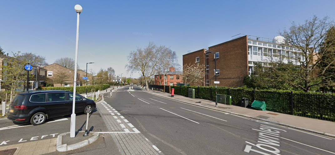 Townley Road Junction Carlton Avenue (Northbound)